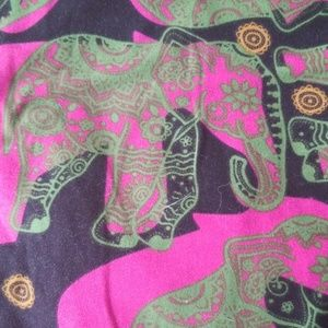Black and pink elephant leggings